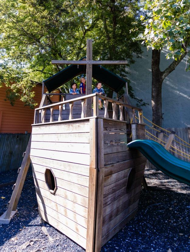 Timotis Seafood Shak Boat Playground